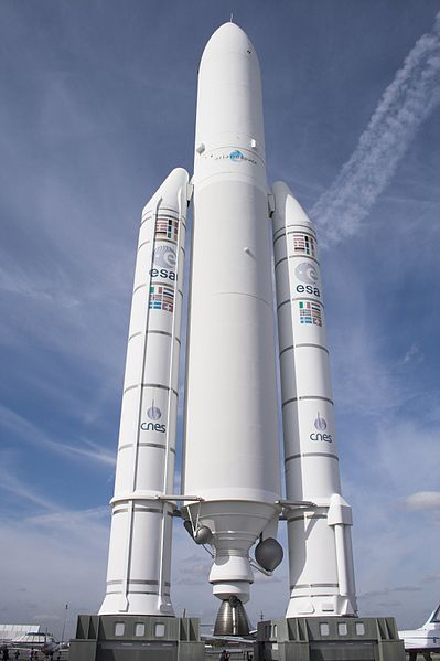 399px-Ariane_5_Le_Bourget_FRA_001