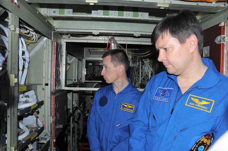 Занятия космонавтов на многоцелевом лабораторном модуле_04