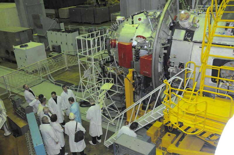 Занятия космонавтов на многоцелевом лабораторном модуле_07