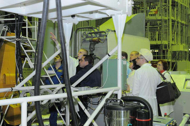 Занятия космонавтов на многоцелевом лабораторном модуле_09
