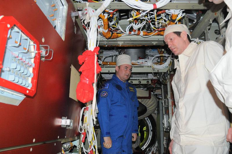Занятия космонавтов на многоцелевом лабораторном модуле_10