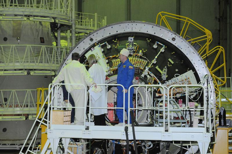 Занятия космонавтов на многоцелевом лабораторном модуле_14