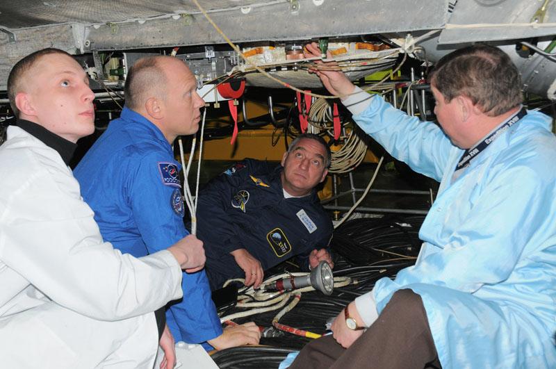 Занятия космонавтов на многоцелевом лабораторном модуле_19