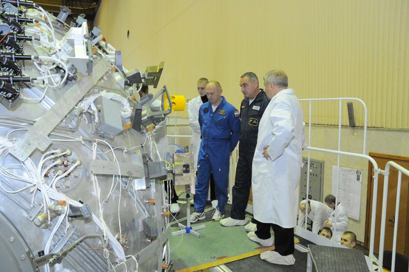 Занятия космонавтов на многоцелевом лабораторном модуле_21