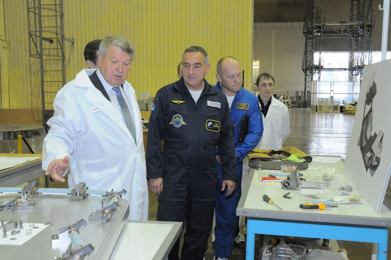 Занятия космонавтов на многоцелевом лабораторном модуле_22