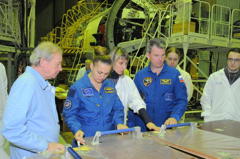 Занятия космонавтов на многоцелевом лабораторном модуле_25