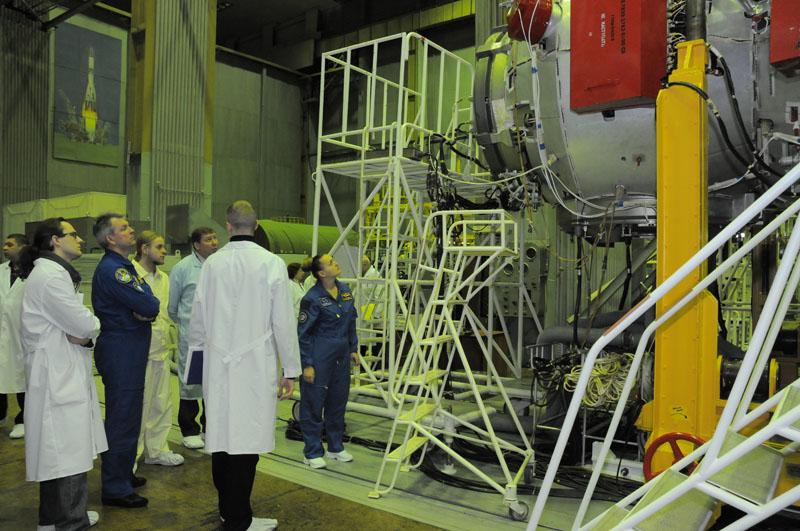 Занятия космонавтов на многоцелевом лабораторном модуле_27