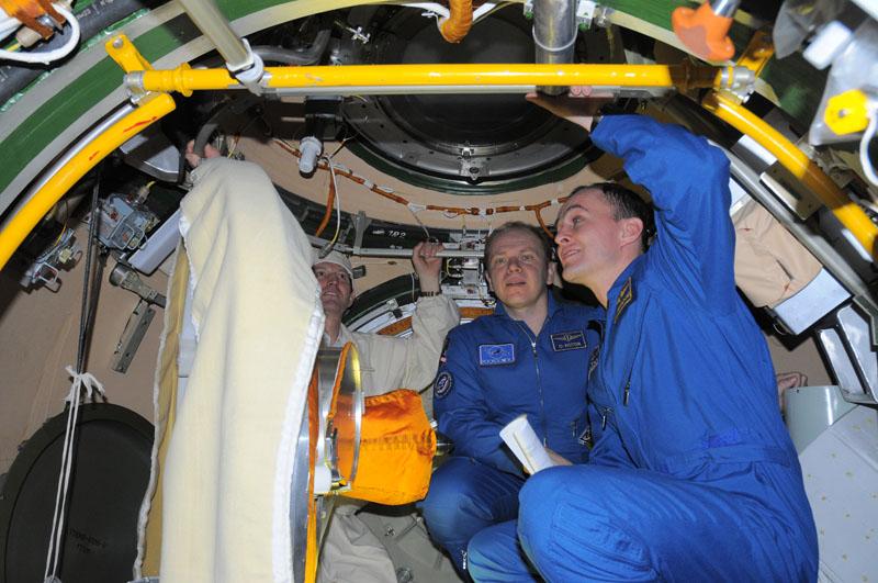 Занятия космонавтов на многоцелевом лабораторном модуле_28