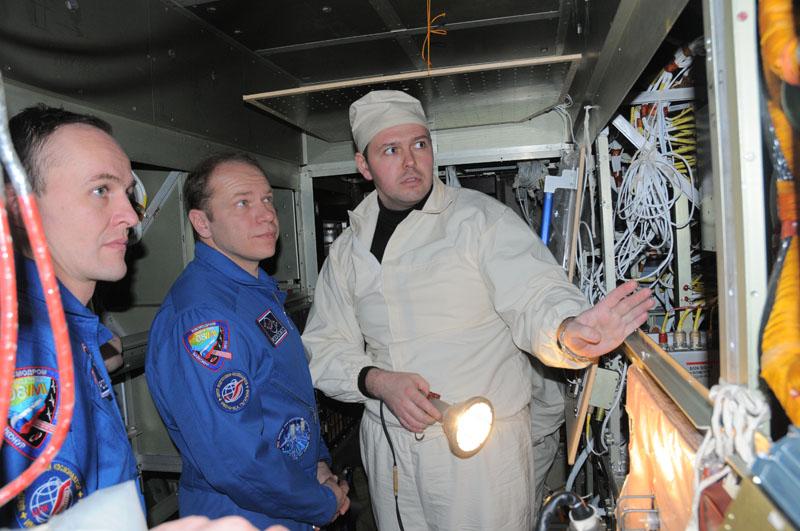Занятия космонавтов на многоцелевом лабораторном модуле_32