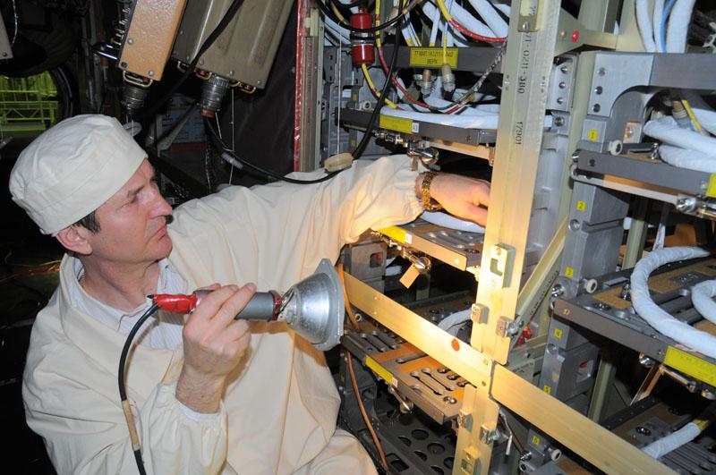 Занятия космонавтов на многоцелевом лабораторном модуле_33