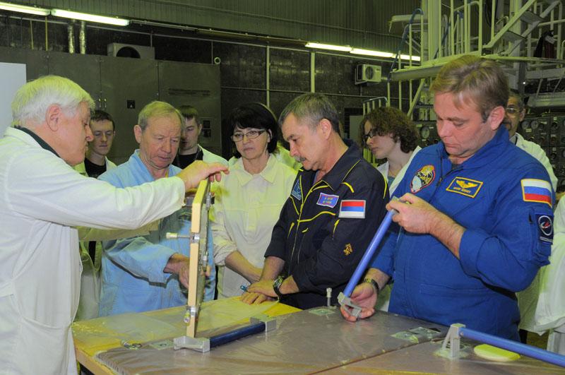Занятия космонавтов на многоцелевом лабораторном модуле_35