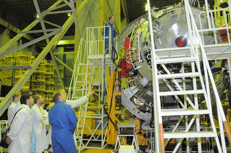 Занятия космонавтов на многоцелевом лабораторном модуле_40