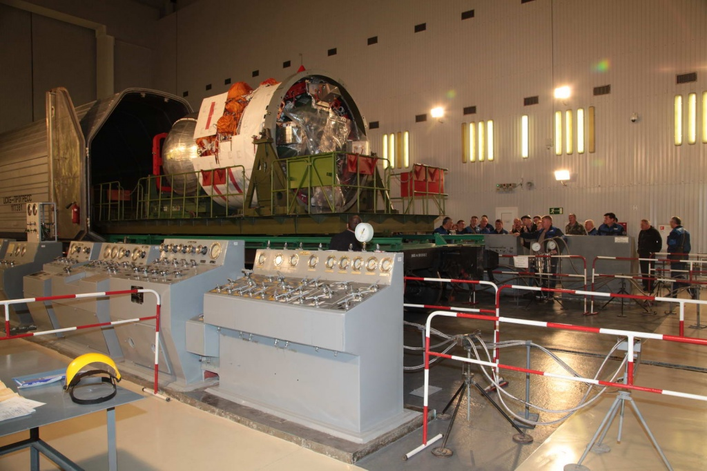 Заправка космического аппарата Бион-М_6
