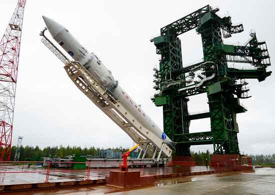 РН-Ангара-установлена-на-СП-космодрома-Плесецк_04